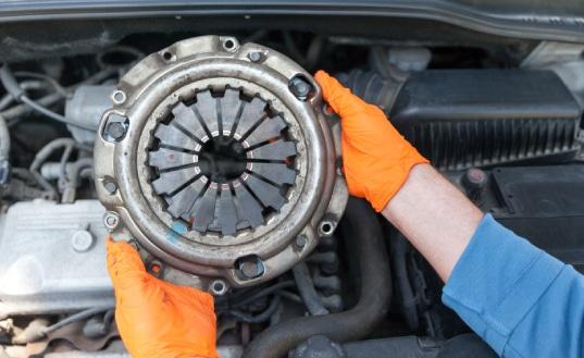 Car Clutch Pressure Plate Check